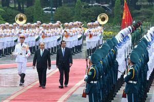 Chùm ảnh: Thủ tướng Nguyễn Xuân Phúc đón, hội đàm với Thủ tướng Campuchia