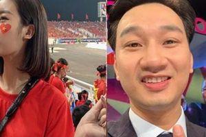 Hoa hậu Mỹ Linh, MC Thành Trung vỡ òa với chiến thắng của đội tuyển Việt Nam