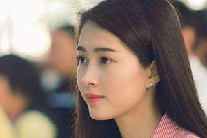 Ngỡ ngàng nhan sắc hoa hậu Việt khi rũ bỏ phấn son để mặt mộc