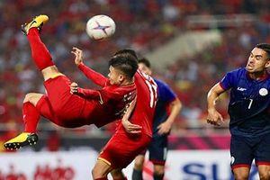 Báo quốc tế đưa đội tuyển Việt Nam 'lên đỉnh' sau chiến thắng Philippines