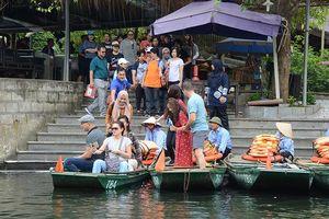 Du khách Anh, Italia đến Việt Nam sẽ tăng 20% nếu miễn visa