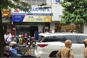 Ngân hàng Việt Á lên tiếng vụ hai đối tượng dùng vũ khí cướp hơn 1,5 tỷ tại TP.HCM