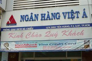 Sài Gòn: Người đàn ông dùng súng cướp ngân hàng vào giữa trưa