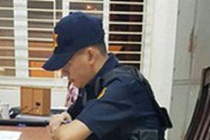 Hà Nội: Bắt quả tang nhóm bảo vệ đưa người không vé vào sân Mỹ Đình xem trận bán kết