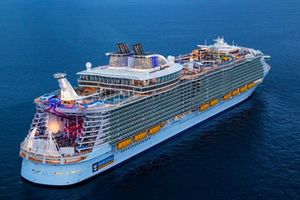 Khám phá tàu du lịch 500 triệu USD chỉ dành cho giới nhà giàu