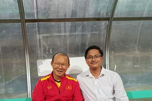 HOT: Bằng tốc độ ánh sáng, cộng đồng mạng đã tìm ra danh tính 'thầy phù thủy' giúp đội tuyển Việt Nam 'phá dớp' sau 10 năm