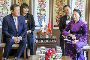 Chủ tịch Quốc hội Nguyễn Thị Kim Ngân tiếp lãnh đạo các tập đoàn kinh tế hàng đầu Hàn Quốc