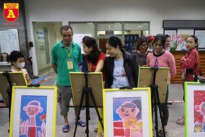 Triển lãm tranh của những bệnh nhân