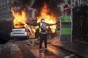 Facebook và tin giả đã khơi mào cho bạo loạn tại Paris?