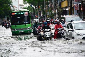 Người Sài Gòn chung sống với nước ngập đến bao giờ?