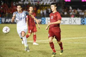 Huyền thoại tuyển Philippines: 'Đội tuyển Việt Nam có tương lai tươi sáng'