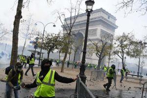 Paris 'căng như dây đàn' trước giờ đại biểu tình phe áo gile vàng