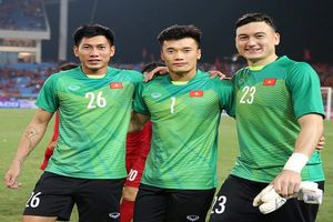Văn Lâm xuất sắc, cơ hội cho Bùi Tiến Dũng ở đội tuyển Việt Nam?