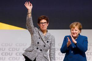 Người được Thủ tướng Đức Merkel lựa chọn đắc cử chủ tịch đảng