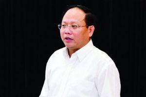 Bộ Chính trị xem xét thi hành kỷ luật ông Tất Thành Cang