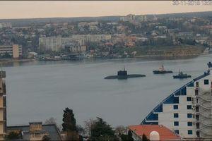 Nga bị nghi đưa tàu ngầm 'Hố đen' đến eo biển Kerch giữa lúc căng thẳng với Ukraine