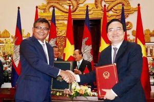 Việt Nam - Campuchia ký kết Kế hoạch hợp tác giáo dục và đào tạo năm 2019