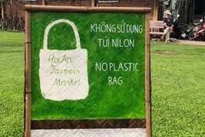 Phiên chợ không túi ni long thu hút du khách ở Hội An