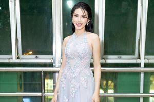 Thùy Tiên 'nói tiếng Anh như gió' khi lần đầu làm ban giám khảo