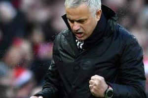 M.U thắng thuyết phục nhất mùa, Mourinho hạ bệ kỷ lục của Sir Alex