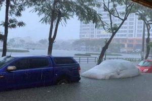 Đà Nẵng: Mưa ngập chưa từng có, toàn bộ HSSV nghỉ học thứ Hai