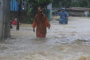Các trường chủ động cho học sinh nghỉ học tùy tình hình mưa lũ