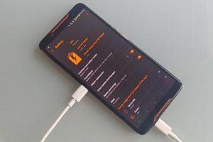 ASUS ROG Phone dính lỗi thú vị 'tự sạc chính mình'