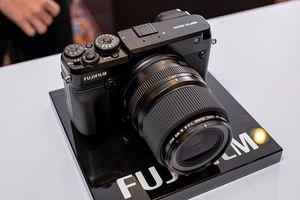 Fujifilm trình làng máy ảnh mirrorless GFX 50R