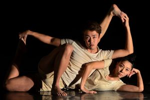 Xem vũ khúc hình thể cùng J-Dance