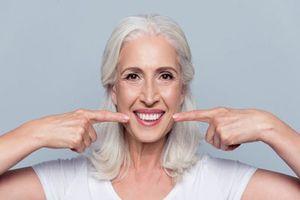Sức khỏe răng miệng thay đổi thế nào khi chúng ta già đi?