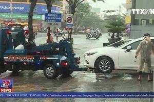 Quá tải xe cứu hộ ô tô bị ngập nước