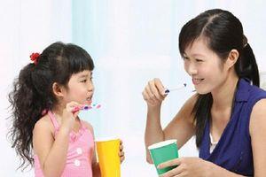 Những điều cha mẹ cần biết để chăm sóc răng sữa cho trẻ em theo hướng dẫn của chuyên gia