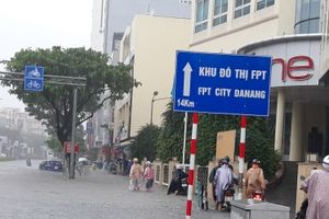 Mưa ngập sâu ở Đà Nẵng, học sinh 2 trường được nghỉ học