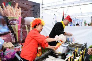 Độc đáo những sắc màu tại Liên hoan ẩm thực quốc tế ở Hà Nội