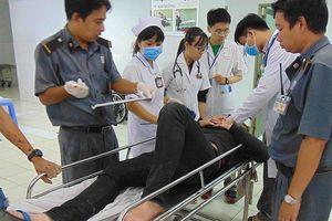 Những người đi 'bão' rồi vào... bệnh viện
