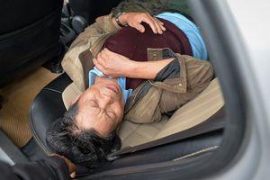 Cổ động viên đi cấp cứu vì chen chúc mua vé tại VFF
