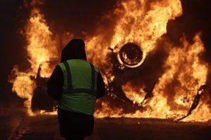 Cuộc biểu tình 'áo vàng' giáng đòn chí tử vào kinh tế Pháp