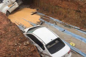 Container đâm nát 3 ô tô, 2 bà cháu may mắn thoát chết trong gang tấc