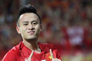 Cựu tuyển thủ Huy Toàn: 'Những tiếng động trên sân Malaysia là nỗi ám ảnh khủng khiếp'