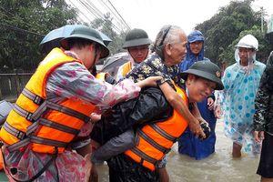 Quảng Nam sơ tán hơn 1.800 hộ dân ở vùng ngập sâu
