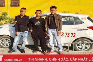 Lái taxi đi… trộm ngan !