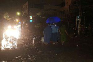 Đà Nẵng: 1 người chết vì điện giật dưới mưa