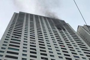 Căn hộ tại tòa nhà HH3B chung cư Linh Đàm phát hỏa