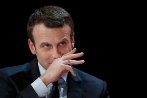 Tổng thống Pháp gặp mặt giới công đoàn và quan chức