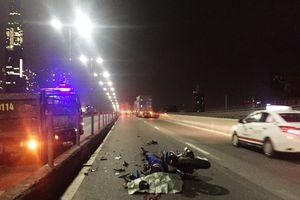 TP HCM: Nam thanh niên tử vong tại chỗ sau va chạm với xe đầu kéo container
