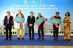 Lễ đón khách quốc tế thứ 7 triệu đến TP. Hồ Chí Minh năm 2018