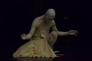 Butoh - môn vũ đạp kỳ lạ