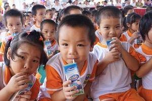 Vinamilk với chương trình 'Sữa học đường' Hà Nội