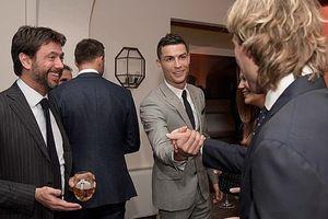 Cristiano Ronaldo bất ngờ buông lời thách thức Messi tới Serie A