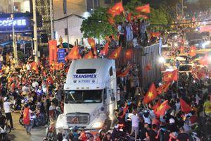 TP.HCM cấm xe tải nặng lưu thông phục vụ người hâm mộ xem bóng đá